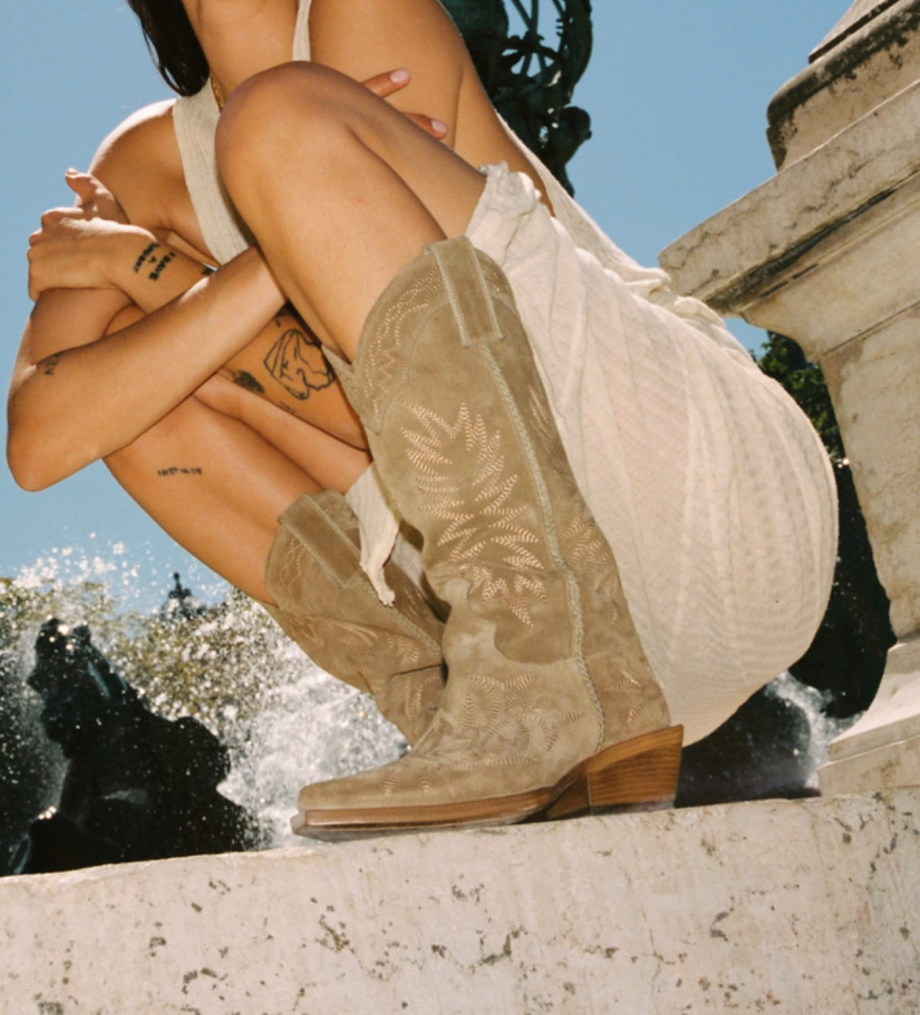FREE LANCE Embroidered Santiag boot CALAMITY 4 - Suede - Taupe