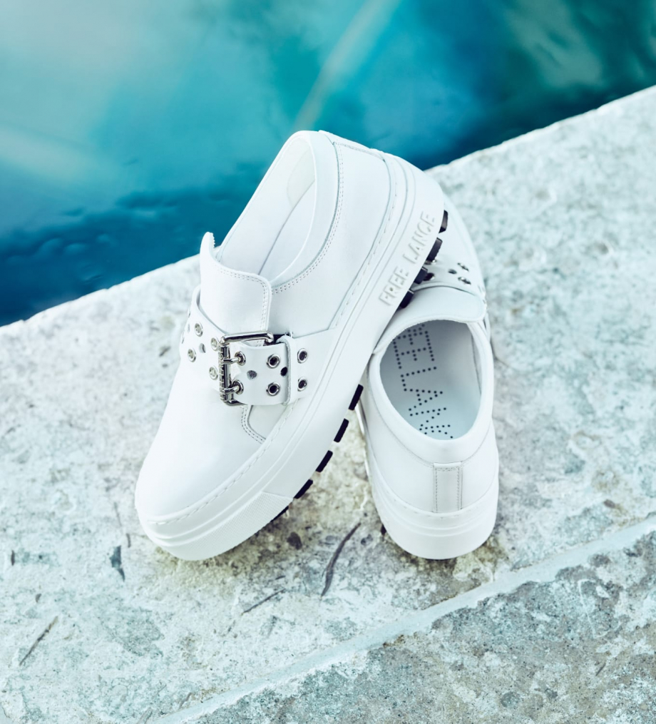FREE LANCE Sneaker slip on à boucle NAKANO - Cuir lisse - Blanc