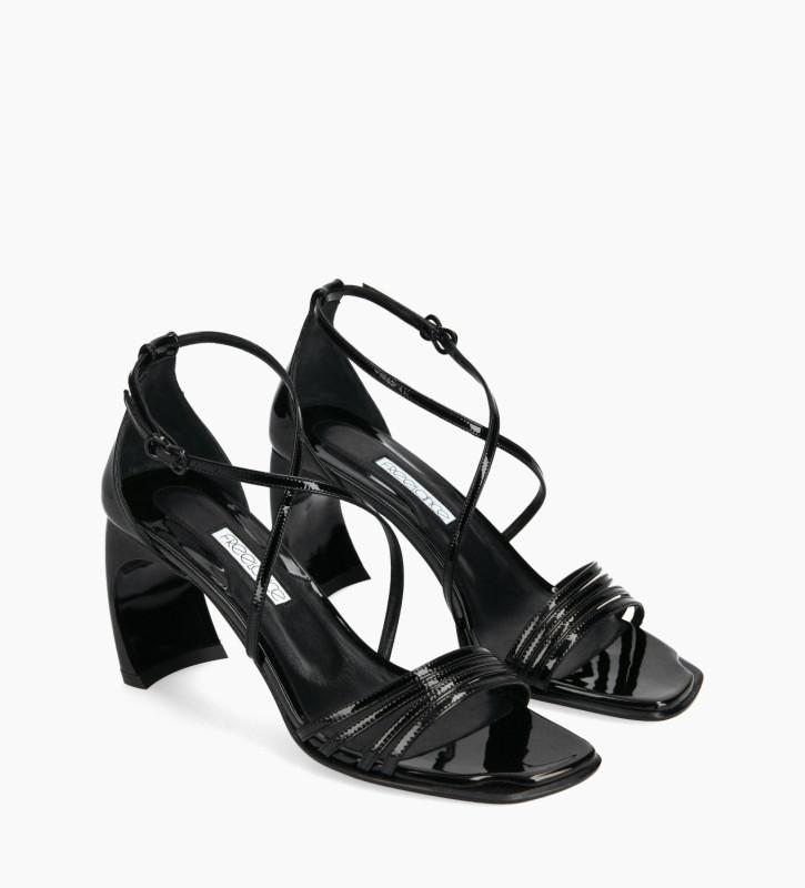 FREE LANCE Sandale à brides croisées à talon - Cambre 70 - Cuir vernis - Noir