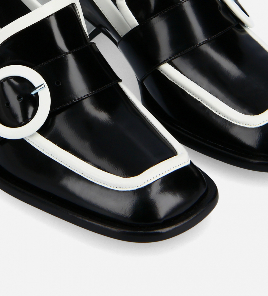 FREE LANCE Squared loafer with buckle - Fin 35 - Glazed leather - Black/White