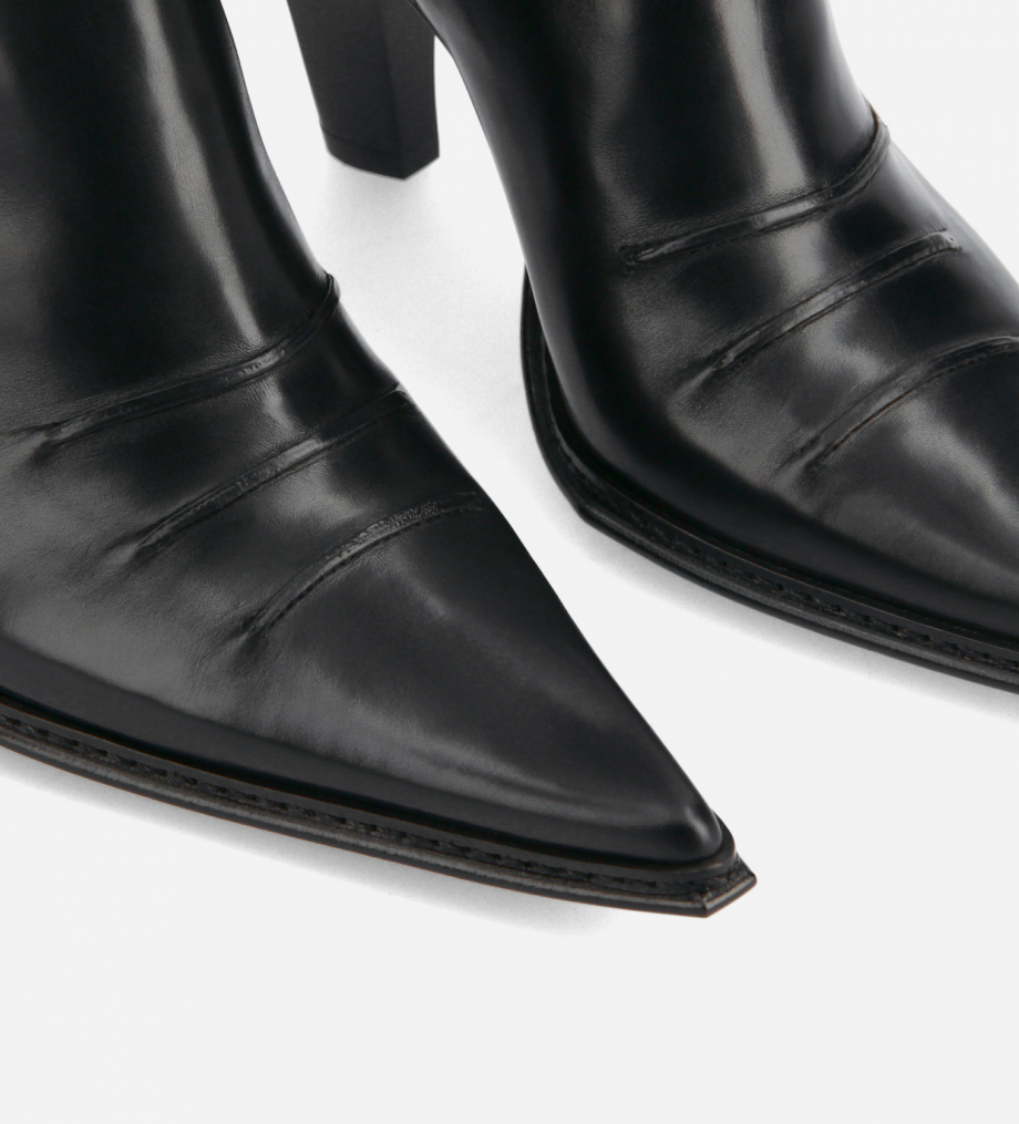 FREE LANCE Heeled Western ankle boot - West 85 - Smooth calf leather- Black