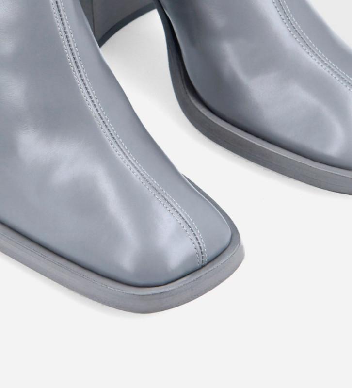 FREE LANCE Botte à talon à bout carré - Clio 100 - Cuir de veau lisse brillant- Bleu ciel