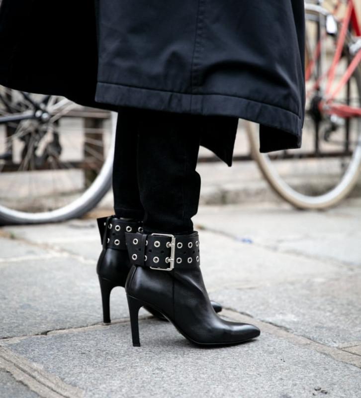 Eshop FREE LANCE Forel 7 Bracelet Zip Boots - Veau Lisse Brillant - Noir